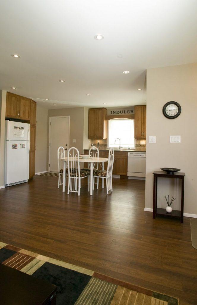 Greenford Kitchen Renovation - All Canadian Renovations Ltd. - Bathroom Renovations - Winnipeg - Manitoba