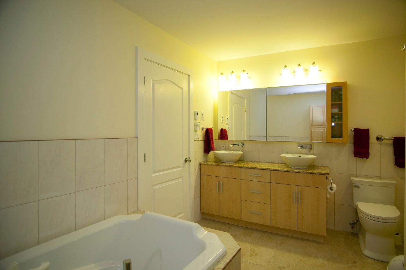 Wardlaw - All Canadian Renovations - Bathroom