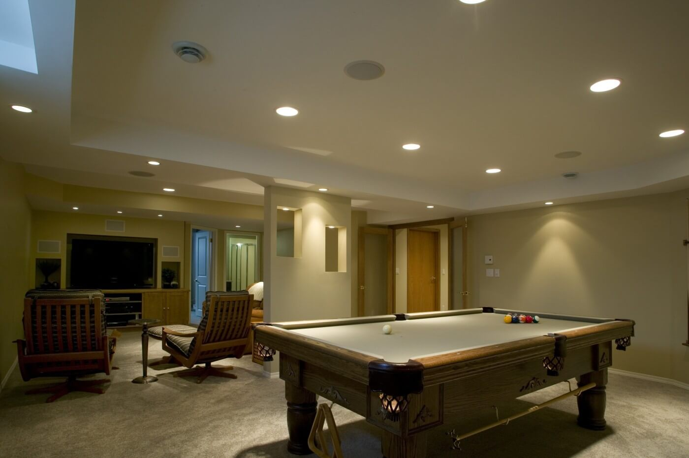 Oaklane - Recroom Renos by All Canadian Renovations